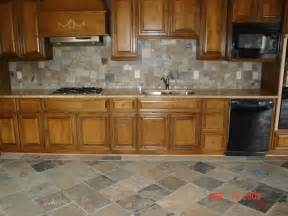 Pictures Of Backsplashes In Kitchen by Kitchen Backsplash Tile Designs