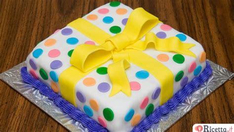 decorare waffel ricetta pasta di zucchero per ricoprire torte le
