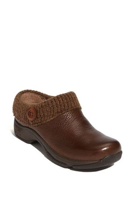 comfortable shoes similar to dansko dansko clog these look like they would be a comfortable