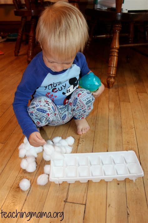 with toddlers 20 ways to keep toddlers busy