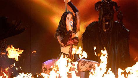 imagenes ritos satanicos katy perry es acusada de ser una quot bruja sat 225 nica quot y de