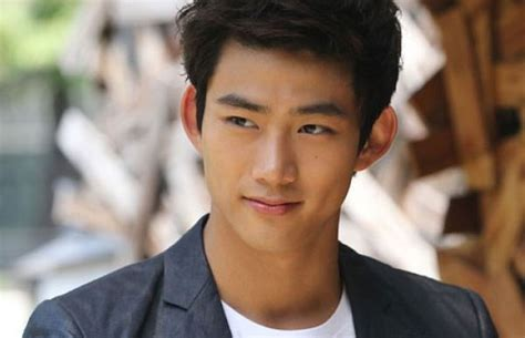 who is the asian man in the dare to be different cadillac commercials taecyeon 2pm putus dengan pacarnya demi karir korean