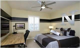 Room Designs For Guys by Bedroom Mens Bedroom Decorating Ideas With Table Design