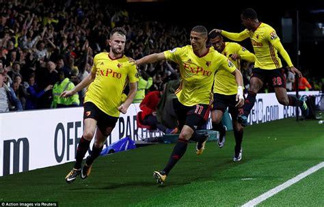 arsenal watford 1 2 match report watford 2 1 arsenal daily mail online