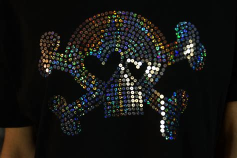 sequins and designs silver holographic sequin skull design tshirt