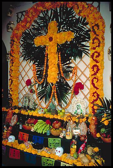 traditions of dia de los muertos traditions of mexico el dia de los muertos