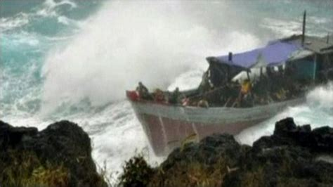 australia refugee boat disaster cbbc newsround many people are killed in australia