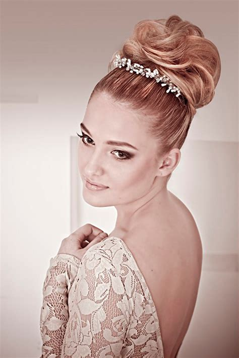 wedding hairstyles with a bun 30 best wedding bun hairstyles everafterguide
