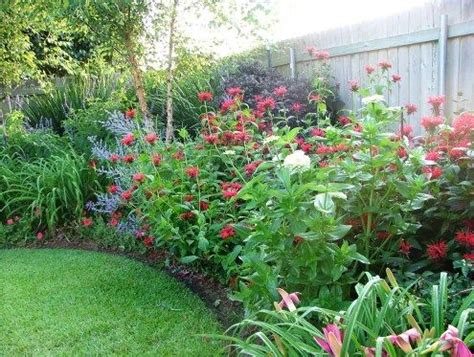 how to design a flower garden best 25 corner flower bed ideas on corner