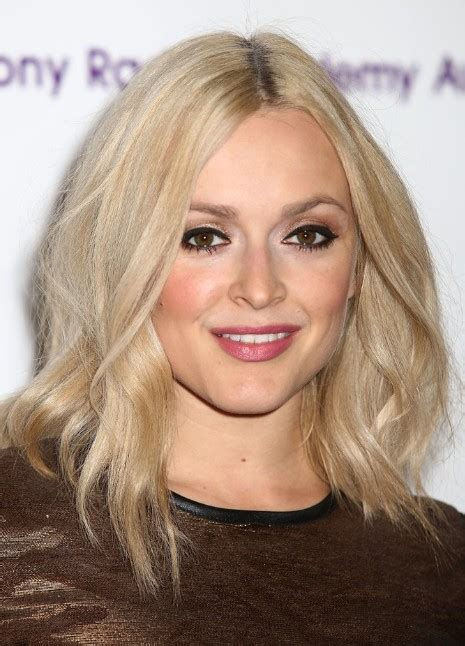 medium length layered haircuts 2013 fearne cotton shoulder length hairstyles for fine hair