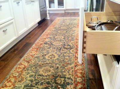 Rug In Kitchen With Hardwood Floor by Stylish Cheap Kitchen Rugs Ffdeems