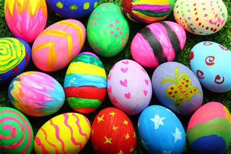 decorated easter eggs five easter egg decorating ideas the scs blog