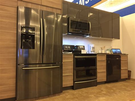 kitchens with stainless steel appliances kitchens with black and stainless appliances