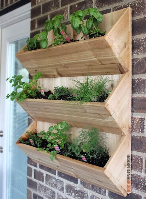 planters diy cedar wall planter free diy plans rogue engineer