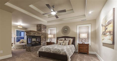 Antique Style Ceiling Fan 30 glorious bedrooms with a ceiling fan