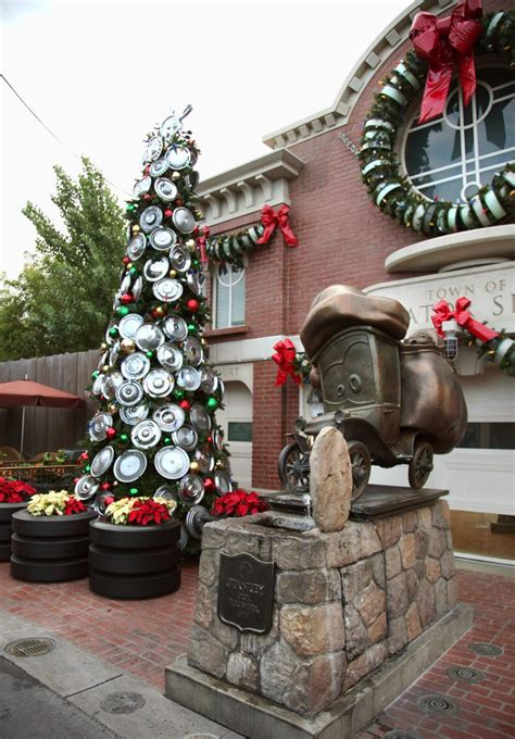 35 disney christmas decorations ideas decoration love
