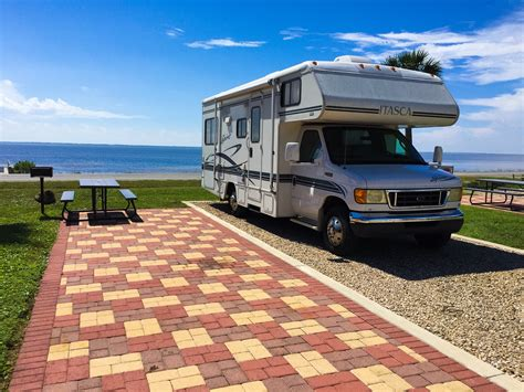 why you should live in an rv 31 brilliant motorhome you can live in fakrub com
