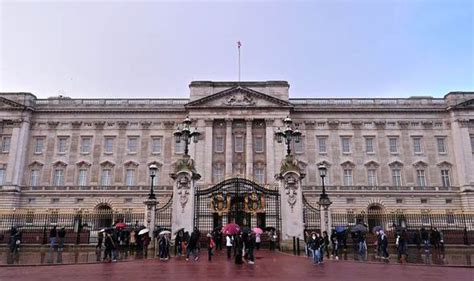 when was buckingham palace built top 10 facts about buckingham palace top 10 facts life