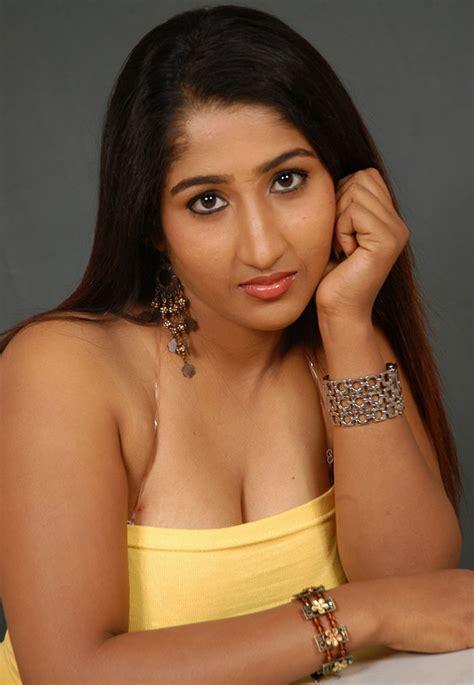 hot masala actress pics hot pics delivery south indian masala actress cleavage