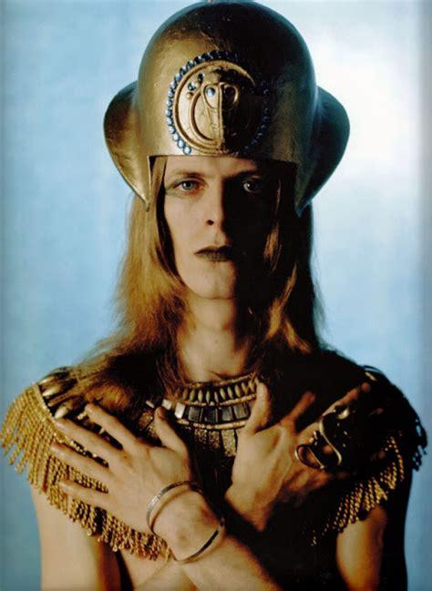 david bowie illuminati a vintage wholigan photo shoot david bowie as
