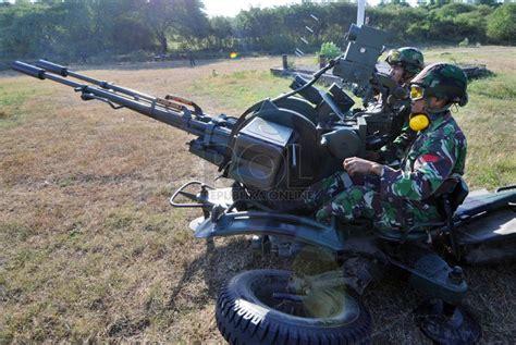 4tube mobil tni uji tembak sasaran menggunakan meriam bow