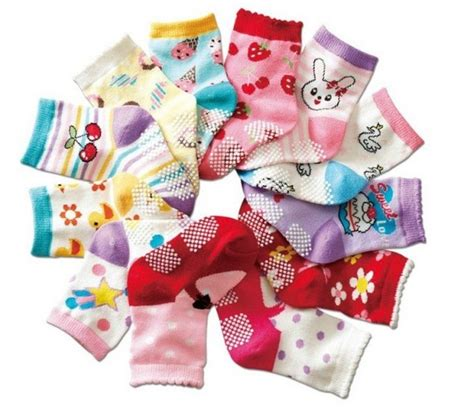 For Large Baby Showers by Baby Shower Ideas For Large Groups Match The Baby Socks