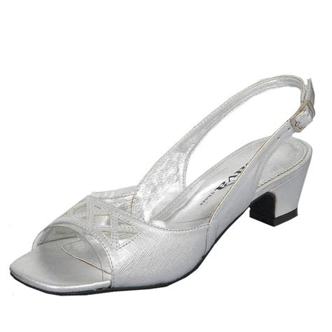 shoes wide width extremely popular lately low heel confortable fit and