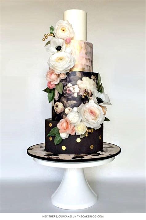 Black Wedding Cake Flowers by 10 Pretty Black Cakes