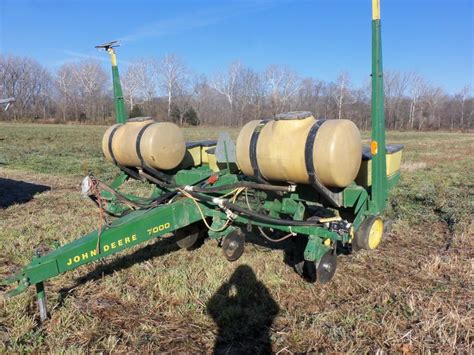 Deere 7000 4 Row Planter by 23 Best Images About Planters Drills On