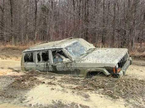 muddy jeep cherokee jeep cherokee mudding p 2 youtube