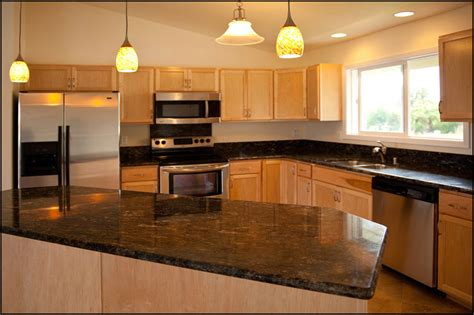 what color paint goes with maple cabinets what color granite goes with honey maple cabinets mail