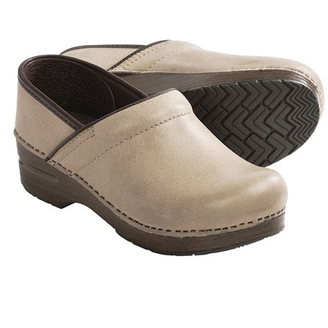 slip resistant shoes at work dansko professional