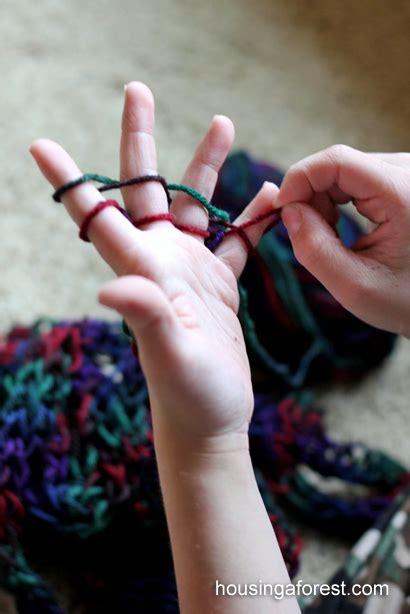 finger knitting tutorial finger knitting housing a forest