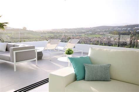 attrezzare un terrazzo come arredare un terrazzo grande ecco 20 idee