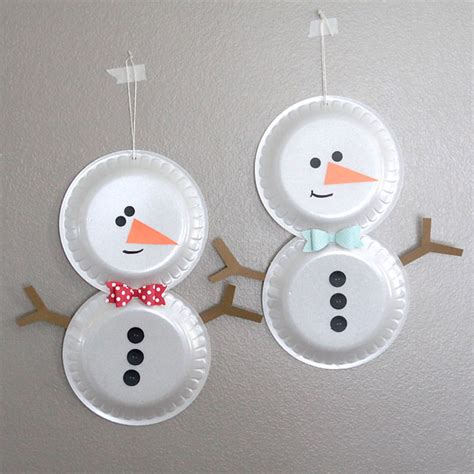 simple foam plate snowmen easy holiday craft for kids