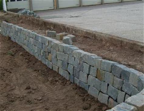 trockenmauer bauen ohne fundament trockenmauer bauanleitung zum selber bauen heimwerker forum