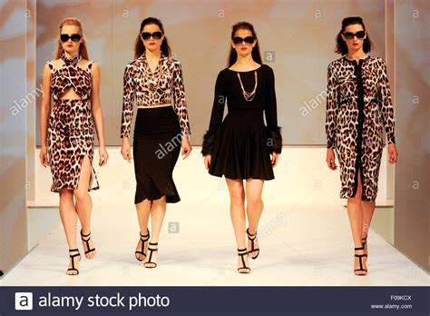 Cat Walk fashion show models on the moda summer 2016 fashion