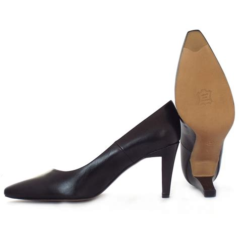 kaiser tosca classic court shoes in black leather