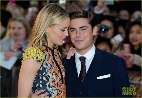 zac efron and taylor schilling the lucky one interview full sized photo of zac efron taylor schilling lucky one