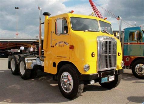 how does a truck last 1000 ideas about freightliner trucks on