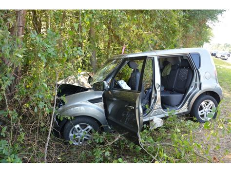 Toms River Kia Staff Four Hurt As Car Hits Tree On Route 37 Patch