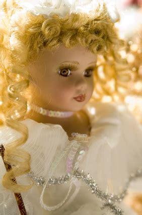 porcelain doll appraiser how to identify porcelain doll marks ehow uk