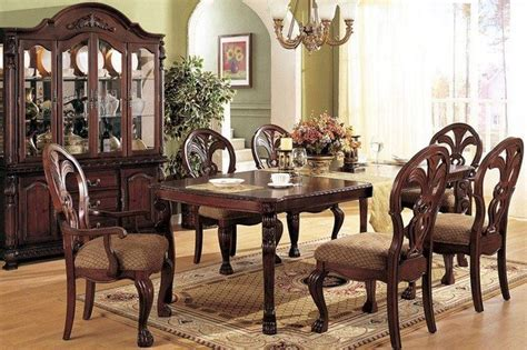 Round Glass Dining Table Decorating Ideas