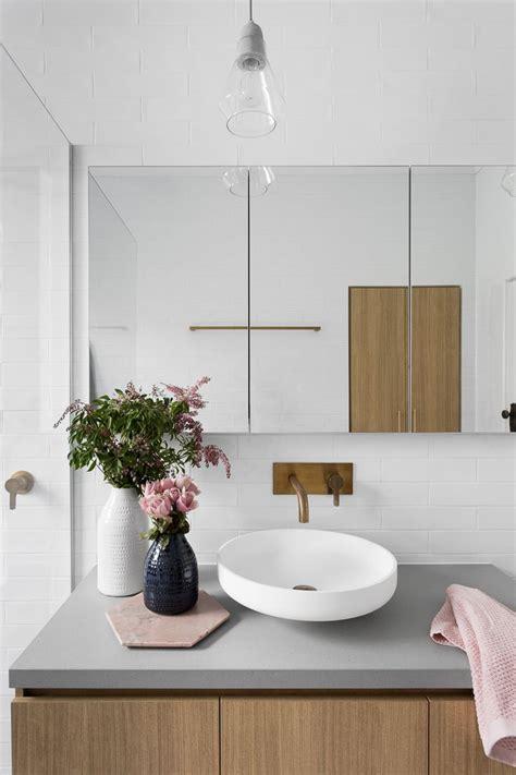Bathroom Ideas Grey And White best 25 grey white bathrooms ideas on pinterest