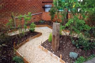 garden pathway design ideas with some natural stones