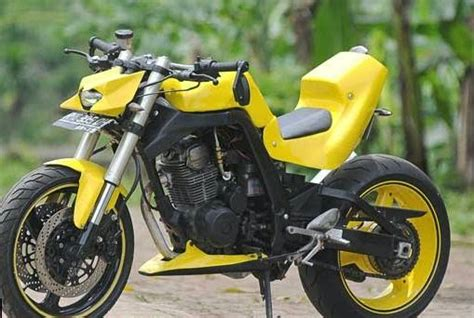 Spare Part Honda Tiger 2005 modifikasi honda tiger 2005 yellow steet fighter