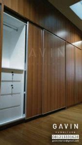 Lemari Pakaian Sliding Door 4 Pintu Hpl Coklat Kayustrip Crm Ls432 2ct lemari pakaian sliding 4 pintu finishing hpl di bsd