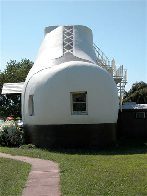 house shaped like a shoe shoe house in pennsylvania