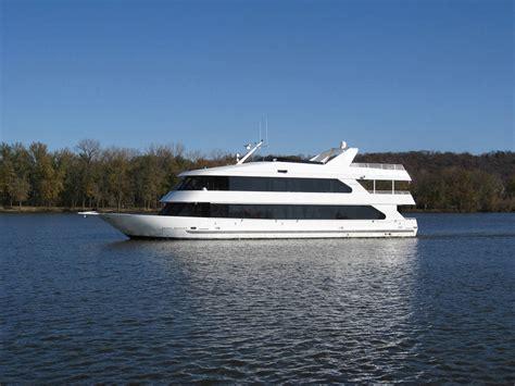 bluewater lady boat skipperliner delivers 105 149 uscg certified passenger