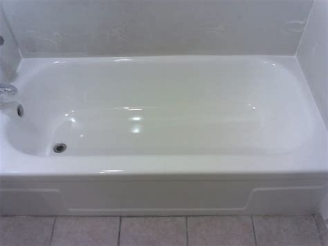 porcelain bathtub refinishing porcelain tub after refinishing yelp